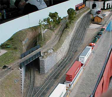 Page 38a june 2005 special edition - Ho train layouts for small spaces image ...