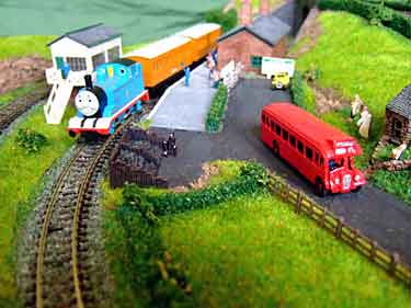 N-scale Thomas